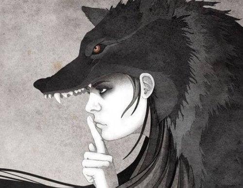 Donna lupo che mette a tacere le opinioni altrui