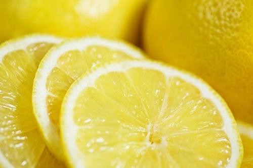 fette di limone limonata