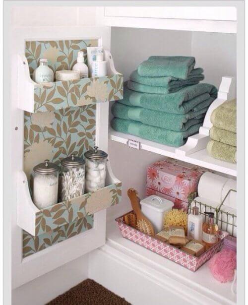 mensola nascosta armadietto bagno