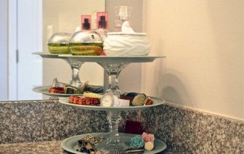 piatti per profumi ed accessori bagno