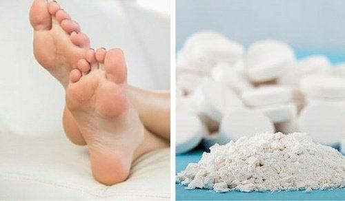 Duroni ai piedi: trucco a base si aspirina per eliminarli