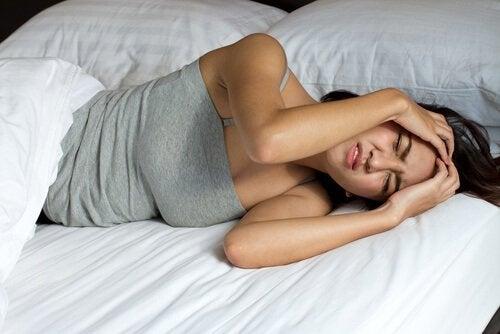 Svegliarsi con il mal di testa