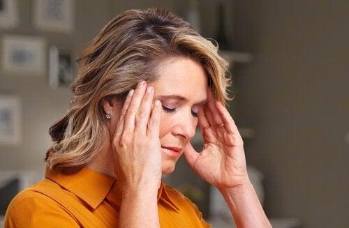 Donna-sotto-stress squilibrio ormonale