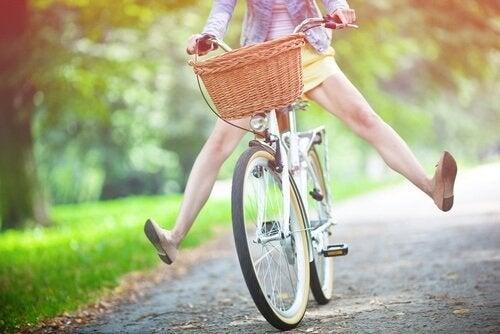 donna in bicicletta sistema nervoso