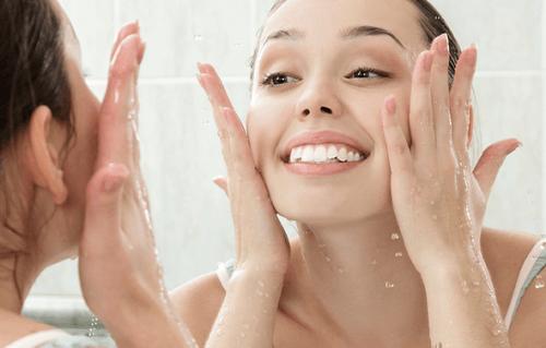 Idratare-la-pelle acqua di cetriolo