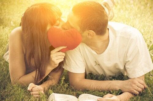 Innamorati-che-si-baciano sesso