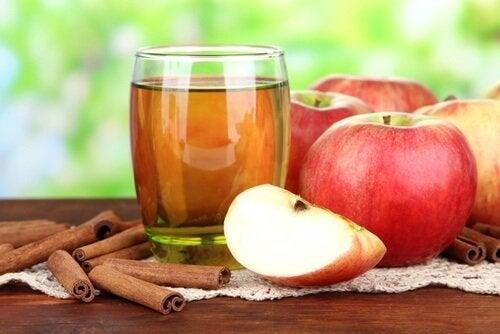 Bevanda mela e cannella