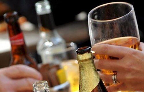 alcol aumenta dolore l'emicrania