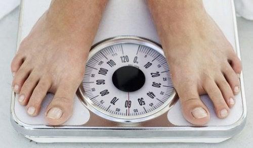 aumentare di peso dormiamo tardi