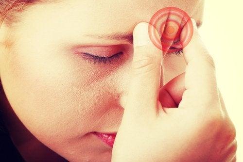 8 rimedi naturali per combattere l'emicrania e le cefalee