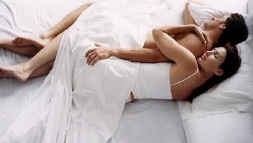 coppia che dorme