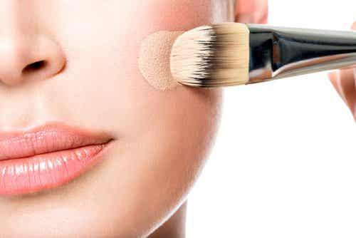 Trucco correttivo in dermatologia: linee guida