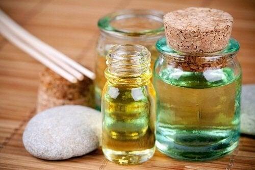 Oli essenziali per combattere l'emicrania