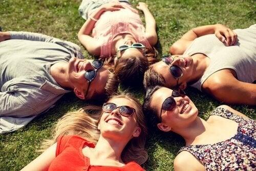 Benefici psicologici dello sport, rapporti sociali