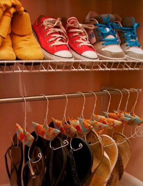 scarpe nell'armadio
