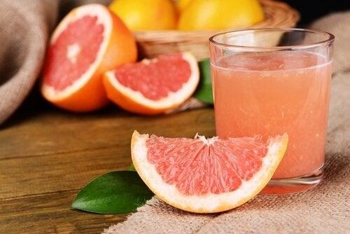 Il colesterolo: succo di pompelmo