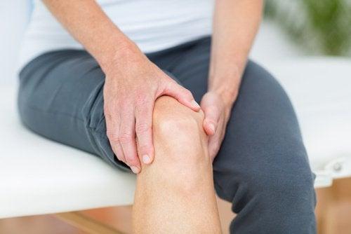 trattare il dolore articolazioni con la gelatina ginocchio