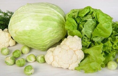 verdure a foglia verde per depurare il fegato