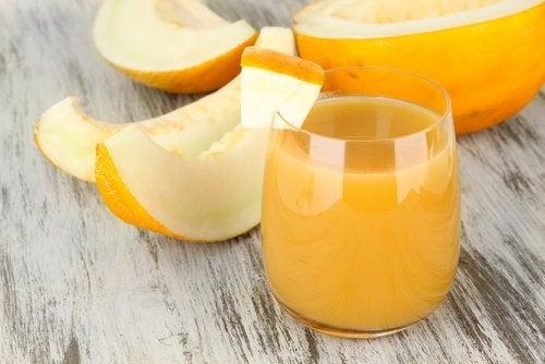 Come preparare acqua di melone per perdere peso e dormire meglio