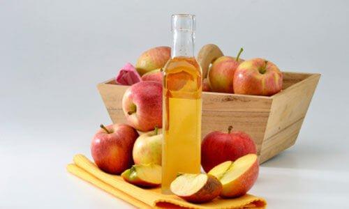 alleviare-la sinusite con-laceto-di-mele
