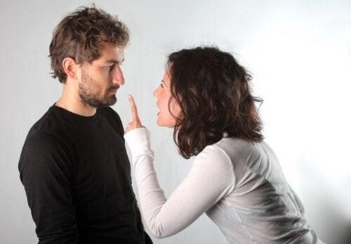 Coppia-che-litiga divorzio