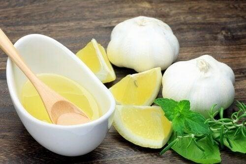succo-aglio-limone ventre piatto
