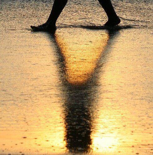 Gonfiore ai piedi e alle caviglie: cause e rimedi