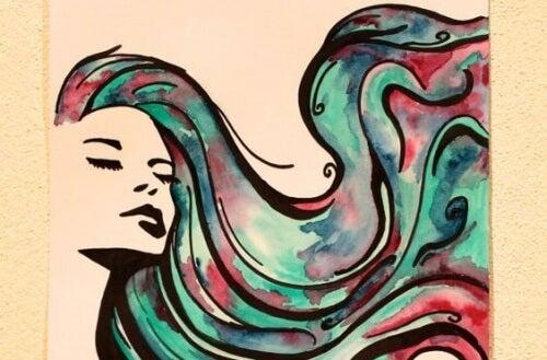donna con lunghi capelli