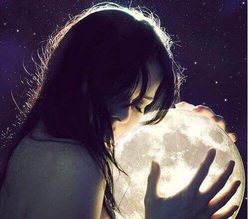 donna soffre per amore a distanza