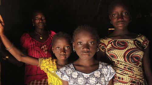 Grande notizia: l'Africa dice NO alla mutilazione genitale femminile