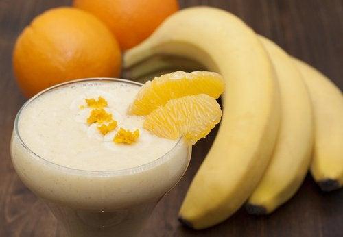 I frullati alla banana forniscono una fonte supplementare di antiossidanti