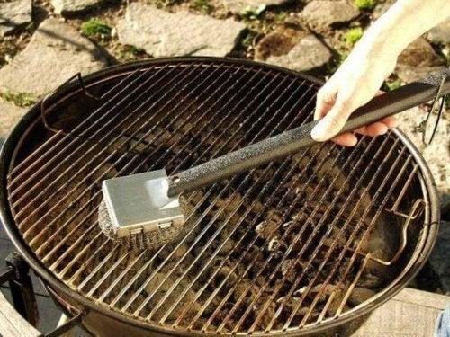Fogli di alluminio per pulire la griglia