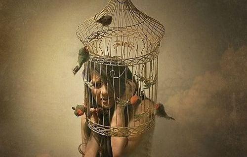 vivete la vita - ragazza imprigionata