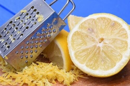 9 sorprendenti usi della scorza di limone