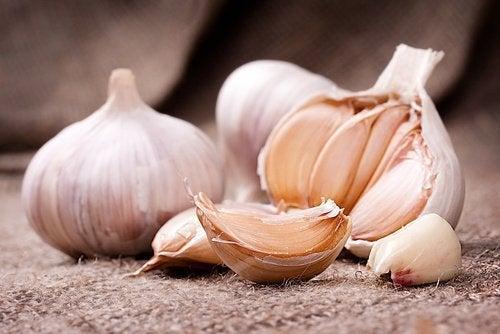 aglio provoca cattivo odore del corpo