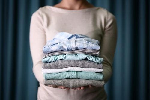 Perché è meglio non far asciugare il bucato in casa?