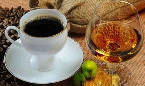 caffe-e-alcol