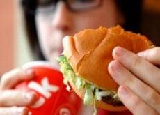 cibo spazzatura responsabile cattivo odore