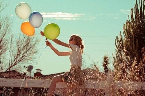 ragazza-con-palloncini