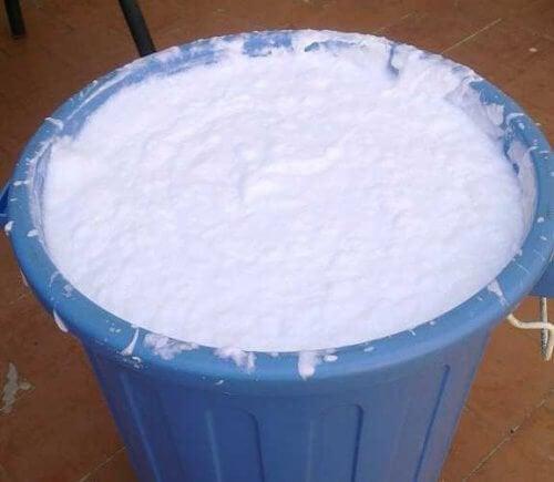 Come fare in casa il sapone liquido vivere pi sani - Sapone liquido fatto in casa ...