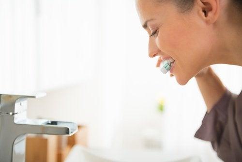 acqua-ossigenata-per-igiene-orale