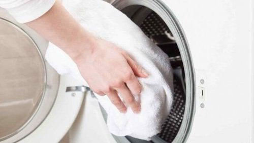 asciugamano in lavatrice