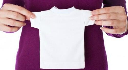 5 trucchi per recuperare le dimensioni originali dei vestiti