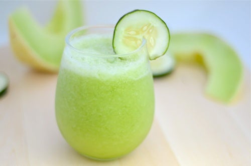 Frullato di melone, mela verde e cetriolo per perdere peso