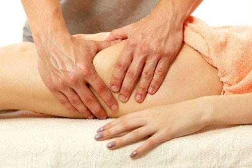 massaggio alle cosce