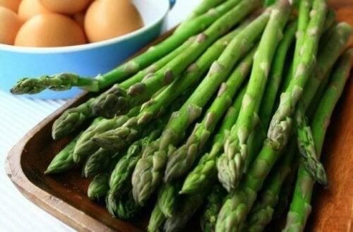 asparagi lessati calorie negative