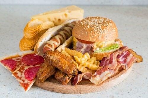 per eliminare la cellulite è necessario seguire una dieta adeguata