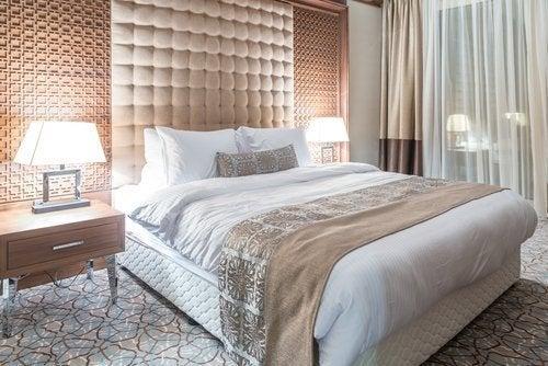 stanza da letto lussuosa