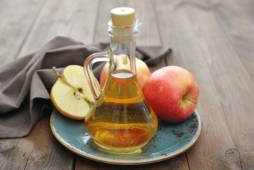 Aceto di mele per i duroni