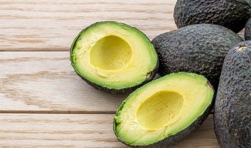 l'avocado fa parte dei frutti anticancerogeni